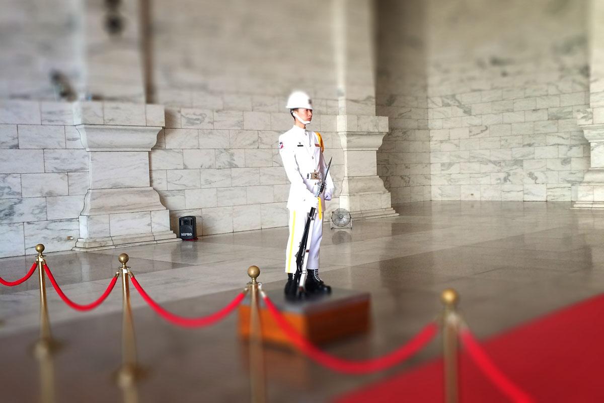 中正記念堂の兵