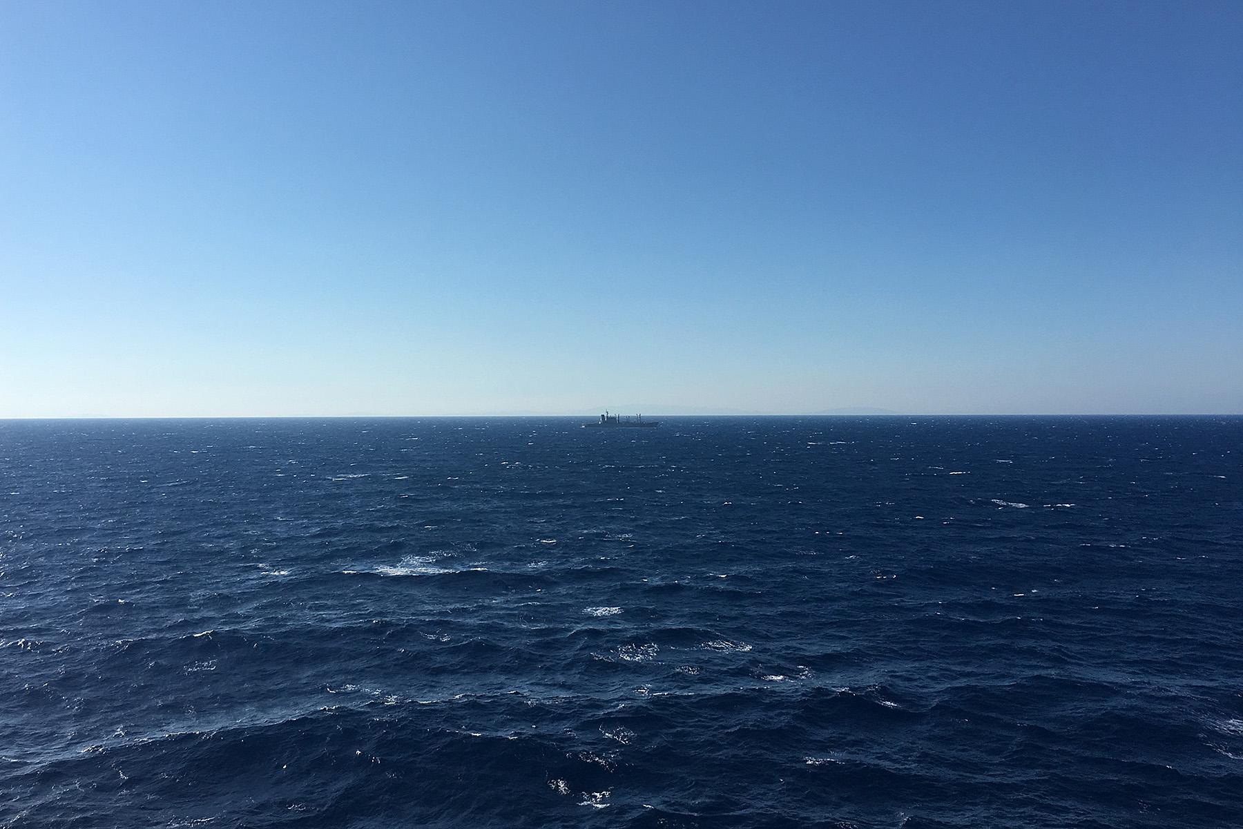 ダイヤモンドプリンセスから見た洋上