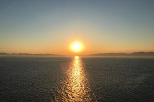 ダイヤモンドプリンセスから見た太陽